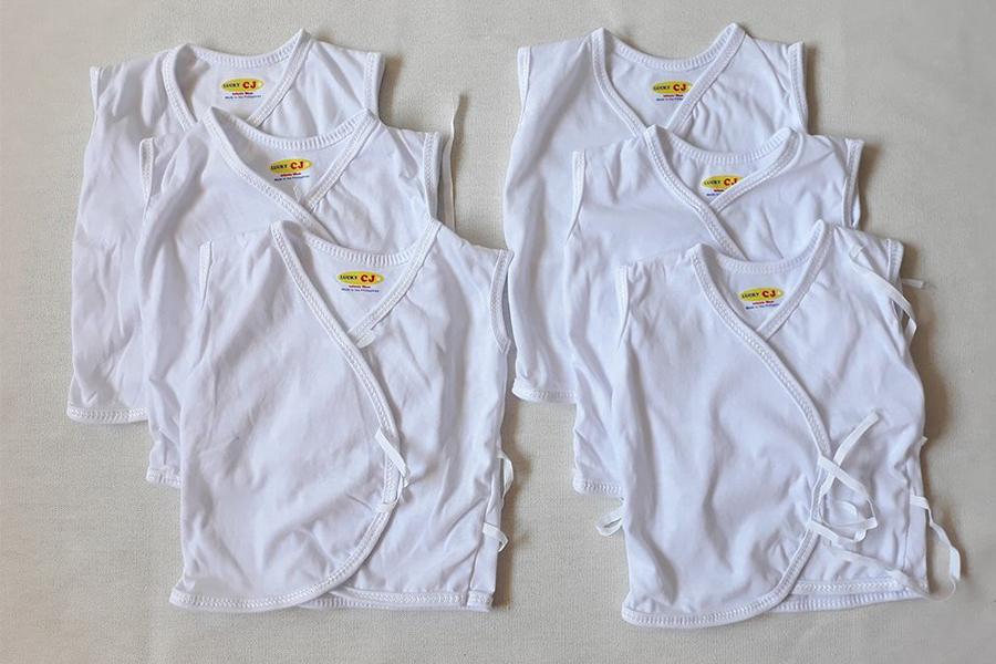 Quần áo cho trẻ sơ sinh rất đa dạng về kiểu cách