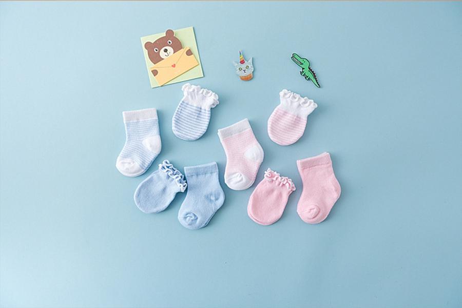 Quần áo cho trẻ sơ sinh trong mùa dịch Corona - Bao tay chân